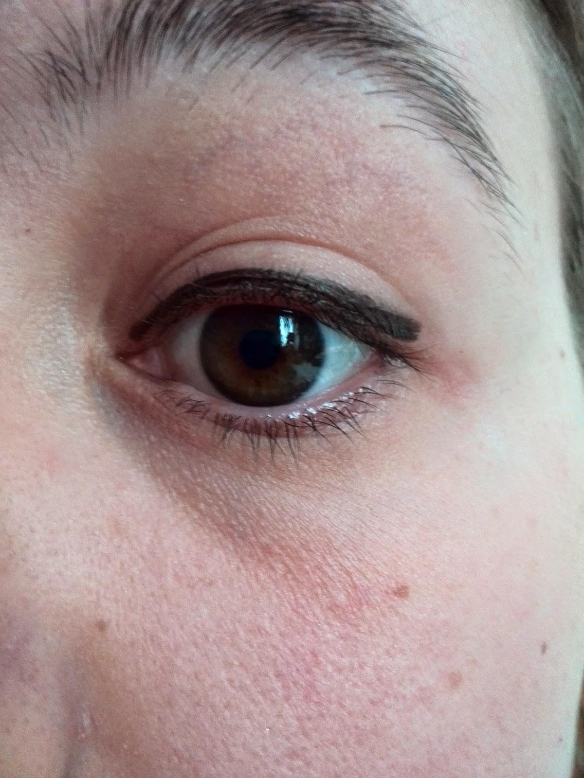 comment appliquer du eye liner