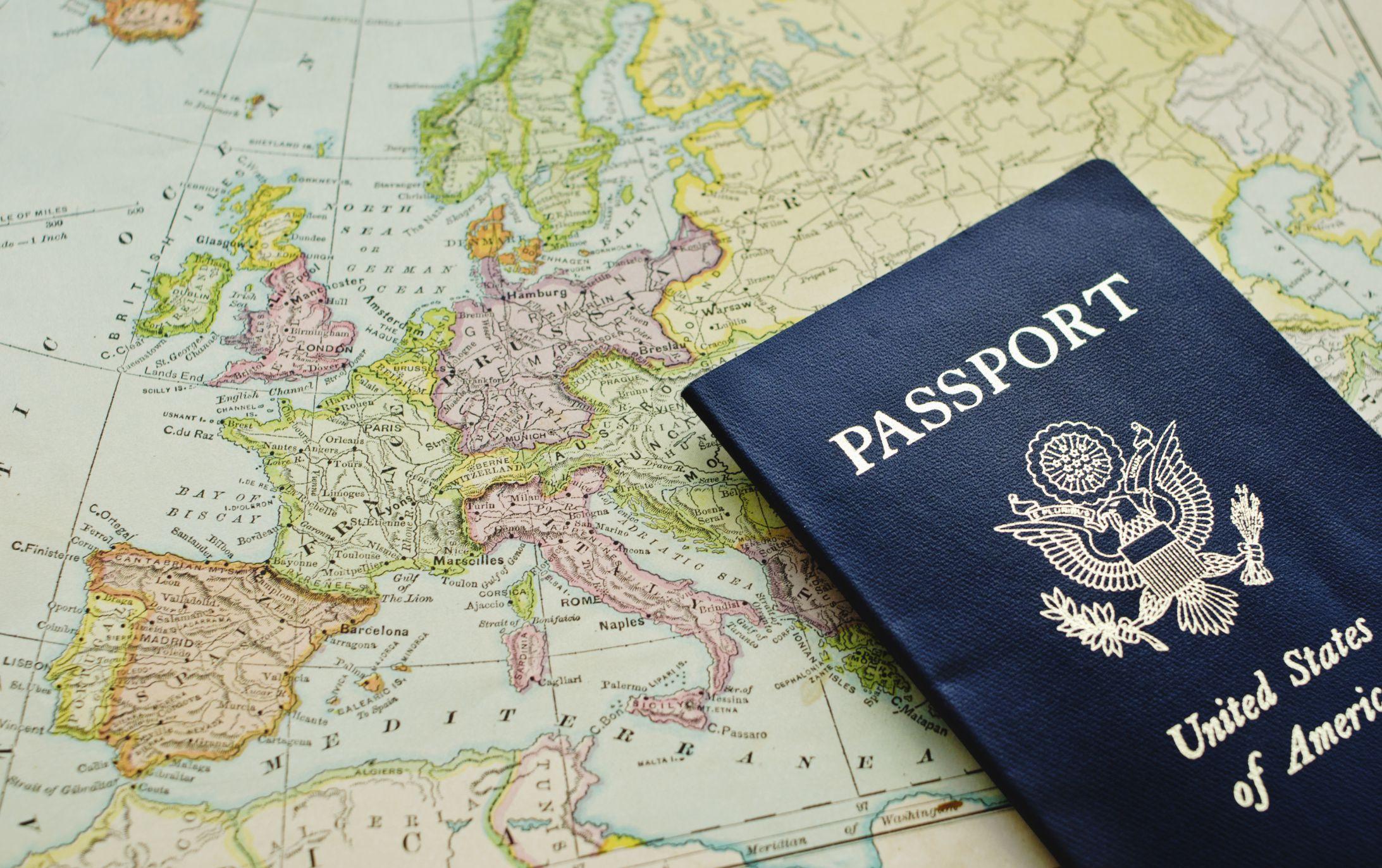 canadian passport renewal application abroad